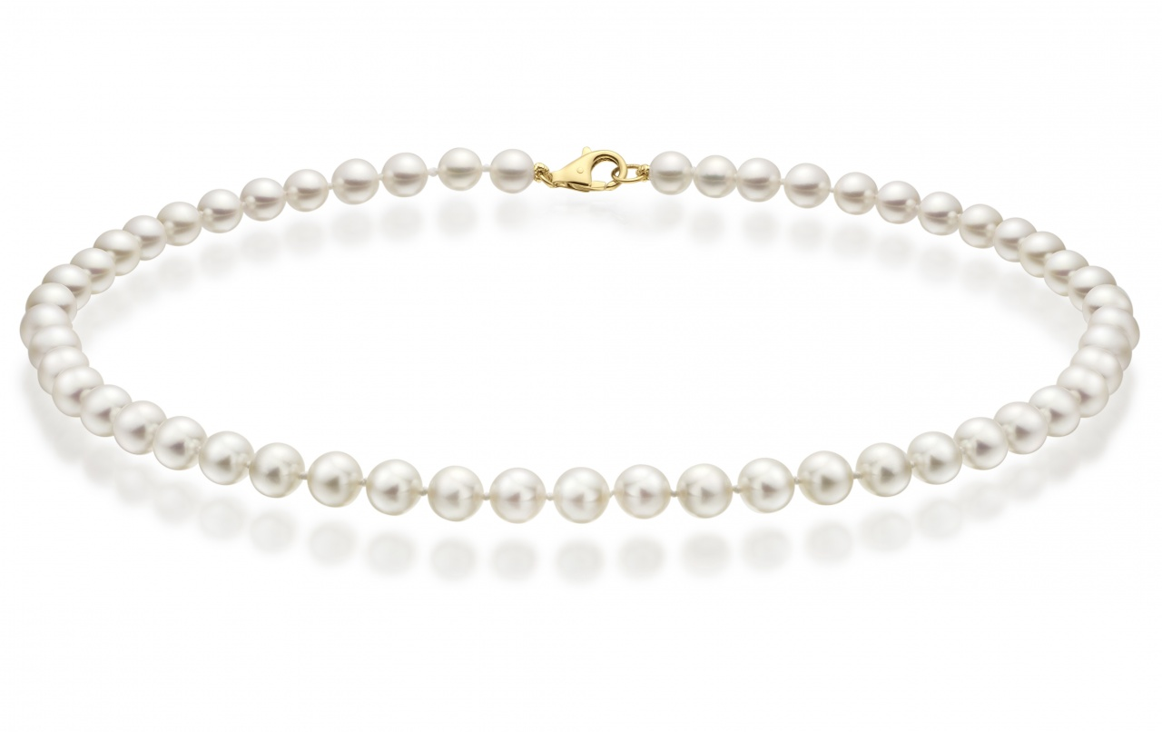 Classic White Japanese Akoya Pearl Necklace with 18ct Gold