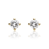 Diamond Stud Earrings in Yellow Gold