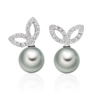 Enchanted Diamond Studs in White Gold with Tahitian Pearls
