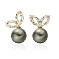 Enchanted Diamond Studs in Yellow Gold with Tahitian Pearls