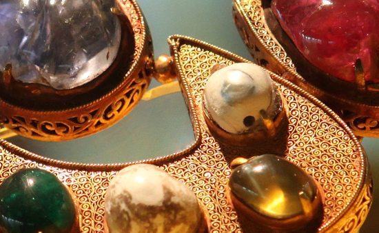 Are Pearls Precious Or Semi-Precious Gems?