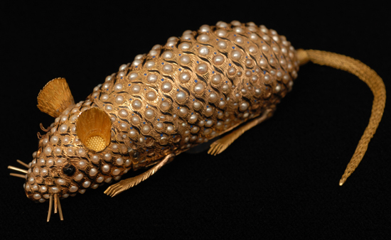 Goldsmiths Exhibit 4500 Years of Gold