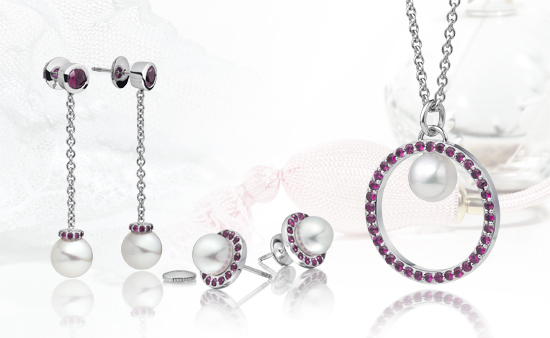 Gifts for a Pearl Wedding Anniversary