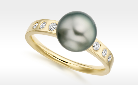 Tahitian Pearl and Yellow Gold Ring