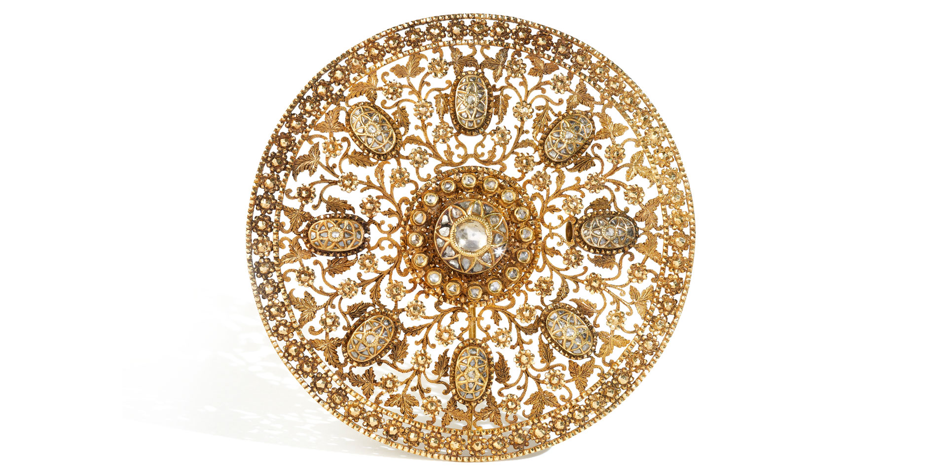 Al Thani: Gold and diamond hair ornament